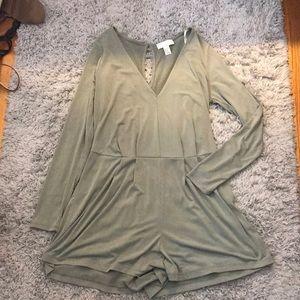 Forever 21 Dresses - Super Stretchy Long Sleeve Romper